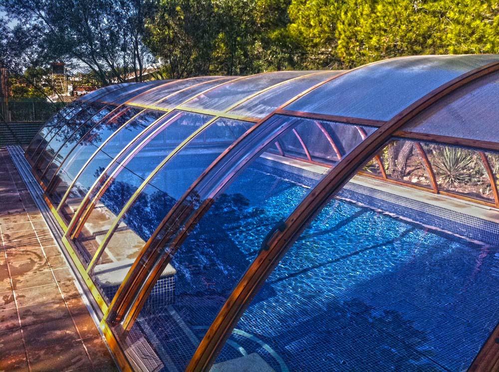 Galer a cubiertas para piscinas piscina plus for Piscina cubierta madridejos