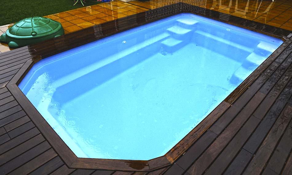 Galer a piscinas de fibra poli ster piscina plus for Catalogo piscinas