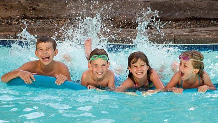 seguridad-niños-piscina_thecoolpool